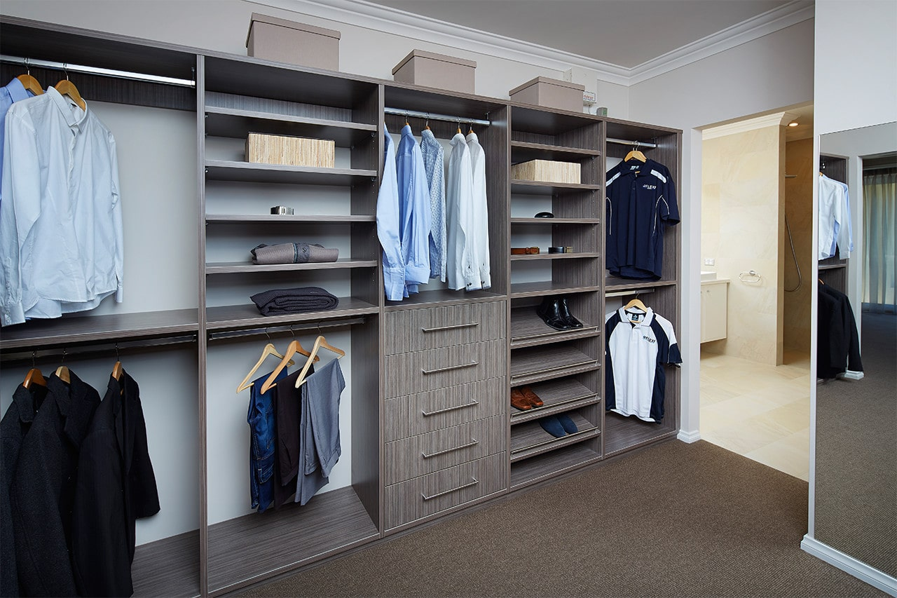 Should You Opt for a Walk in Wardrobe?